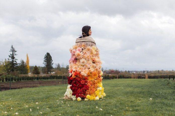 Kołdra z kwiatów dalii